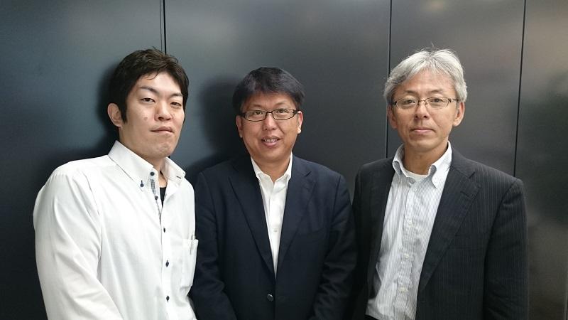 左から伊藤氏、上野氏、尾崎氏:...